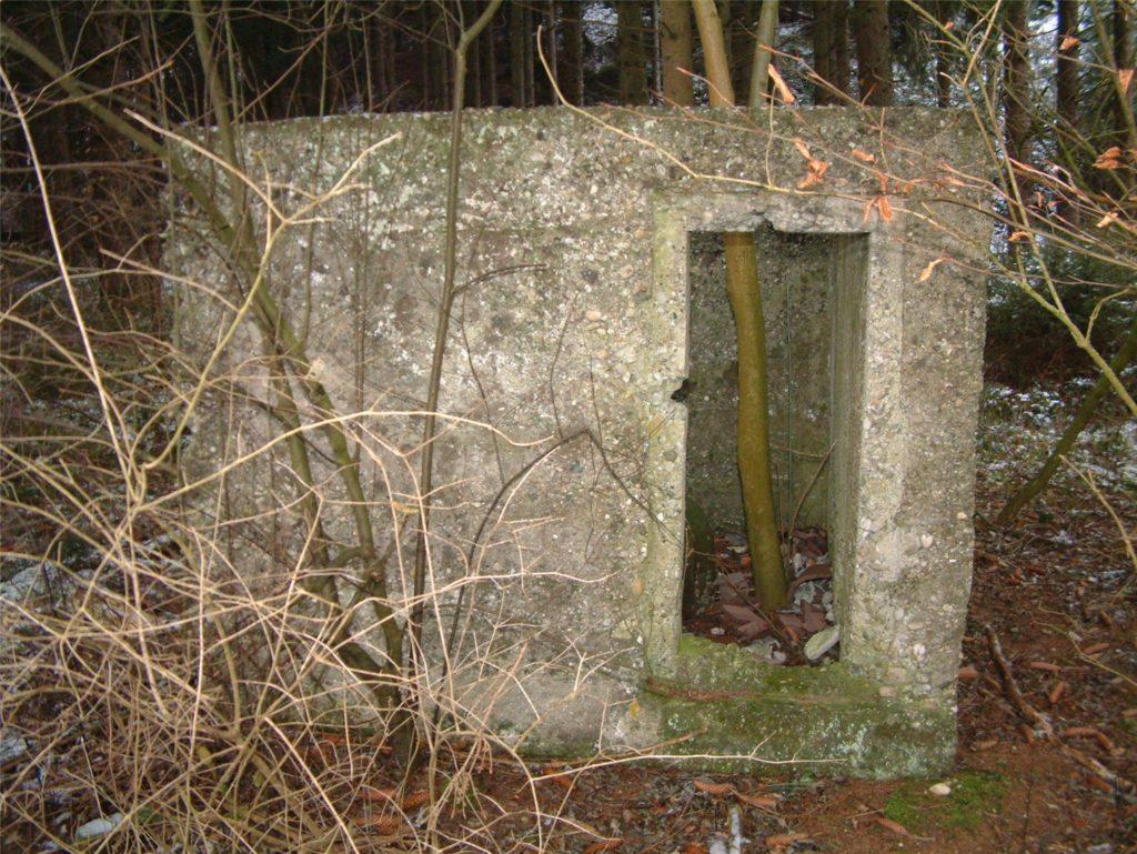 """Foto 2:  Im """"Bunker"""" wurden Häftlinge eingesperrt und auch gefoltert.   Foto: Basler"""