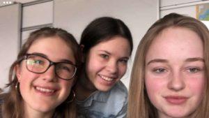 Freuen sich über den Überraschungssieg: (von links) Susanne Schex, Anna Selmeier und Victoria Kamhuber.